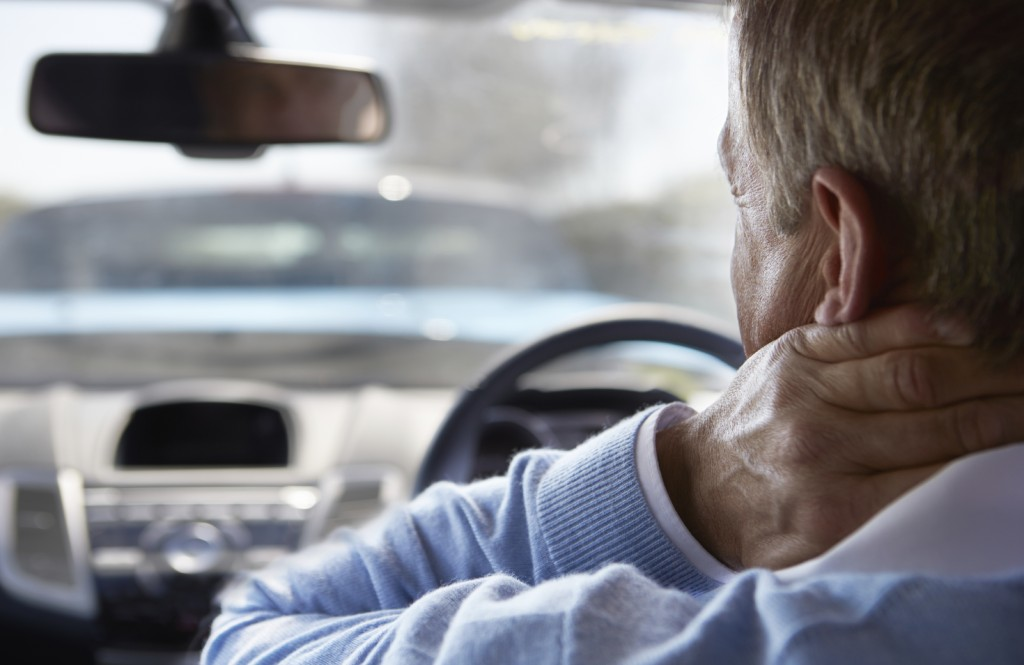 7 tips for neck and back pain when traveling - HONK